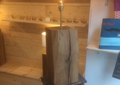 Lampe en chêne massif avec ampoule vintage 40cm 219€