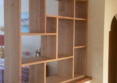 Bibliothèque étagères avec spots intégrés en chêne, finition huilée
